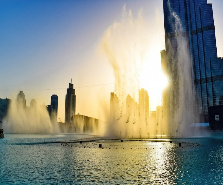 the dubai mall fountain