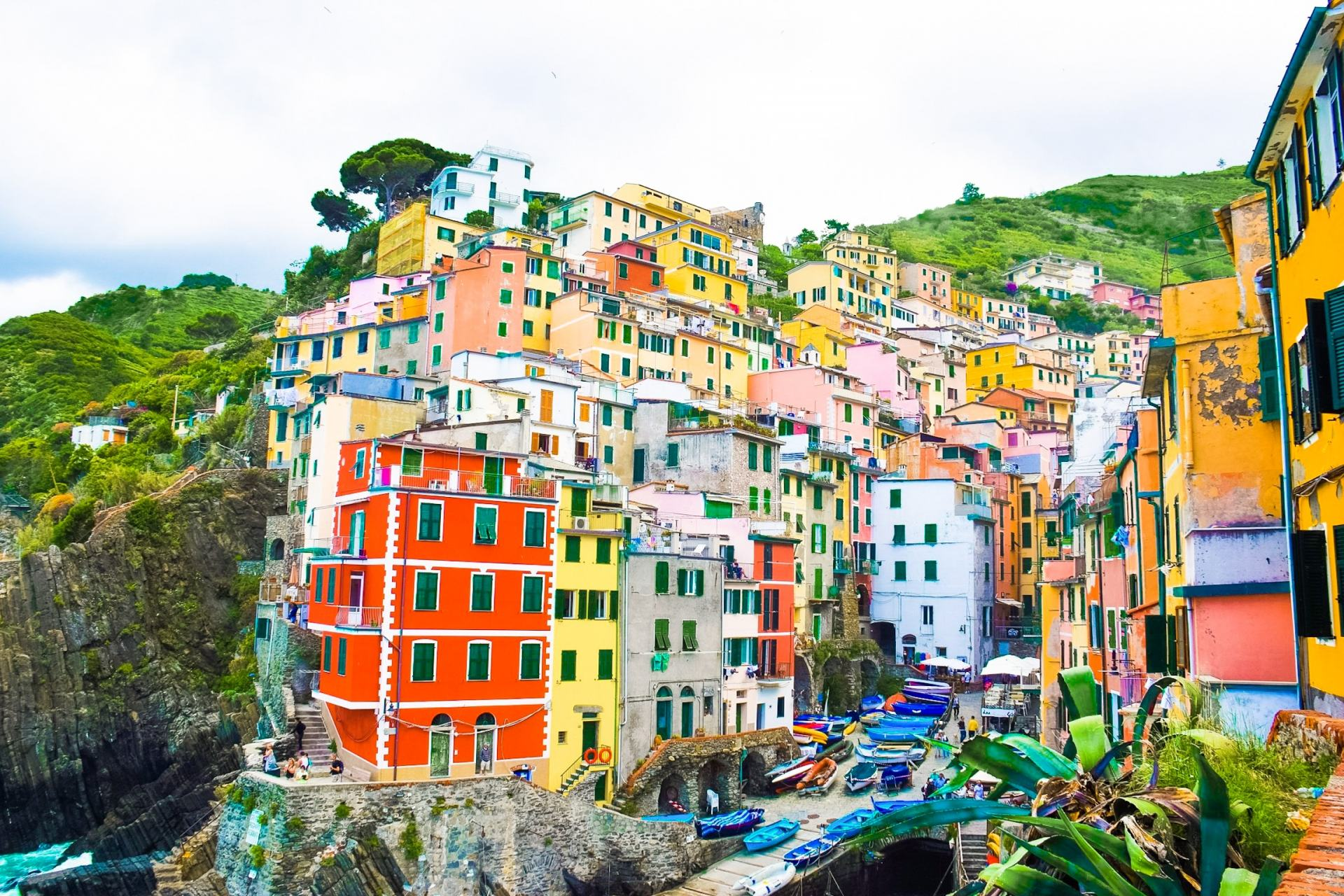cinque terre fishing villages