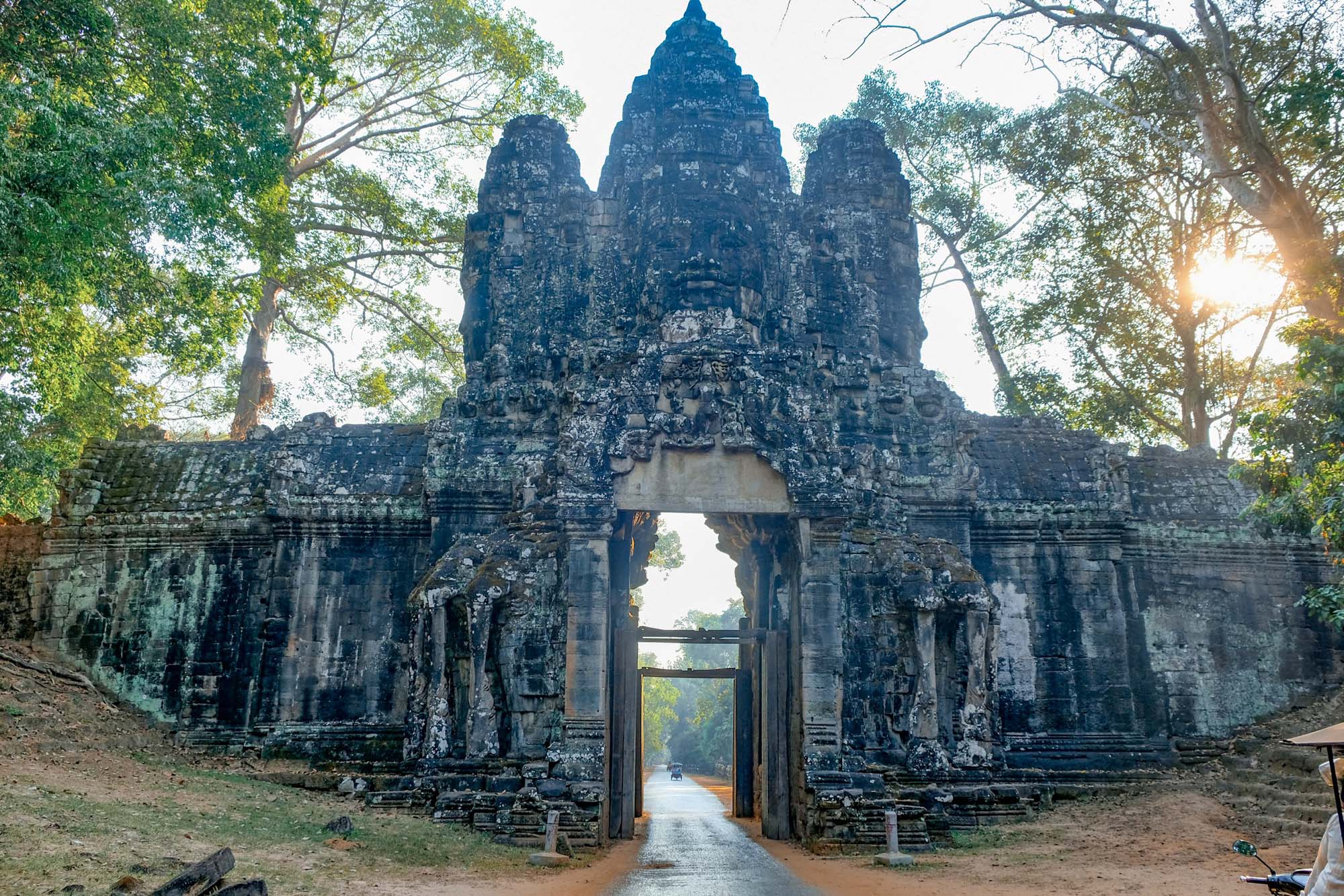 gates at angkor