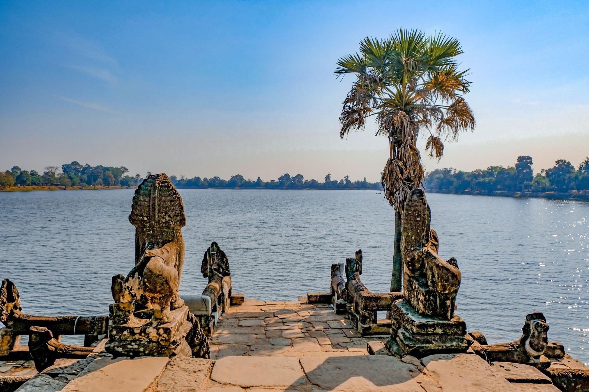 lake in angkor