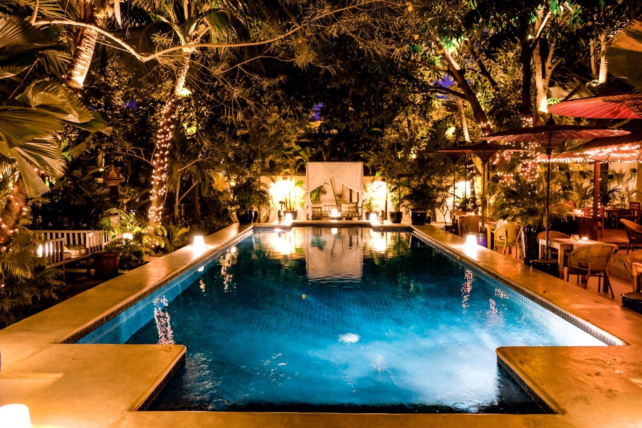 the pavilion phnom penh at night