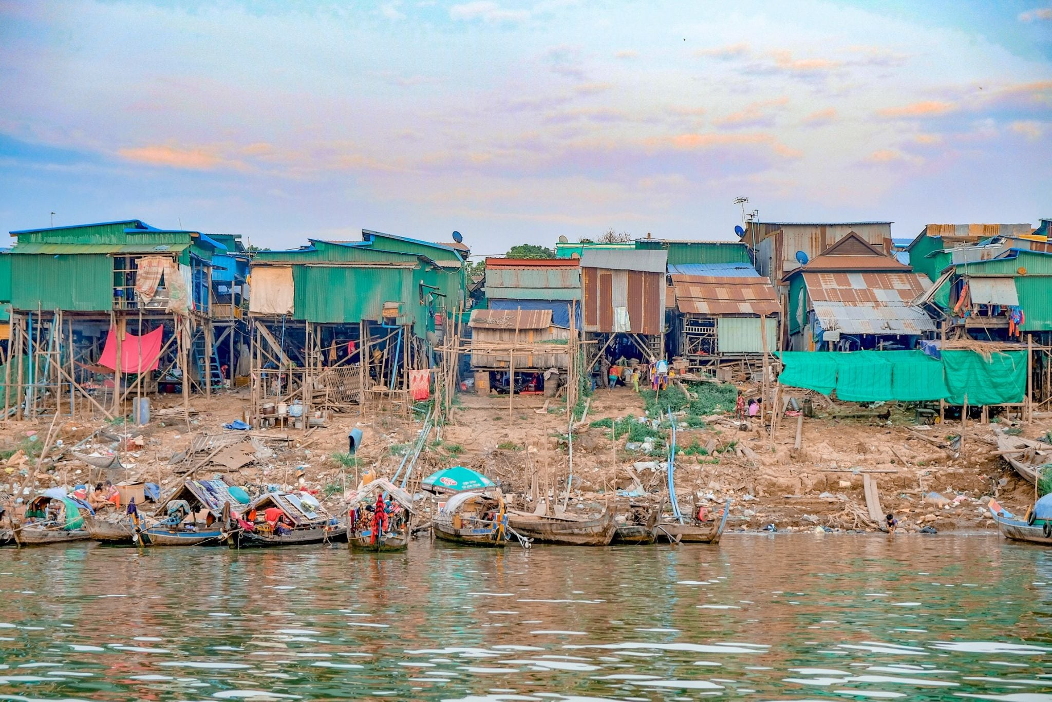 Slum towns around Mekong Floatation River Lounge