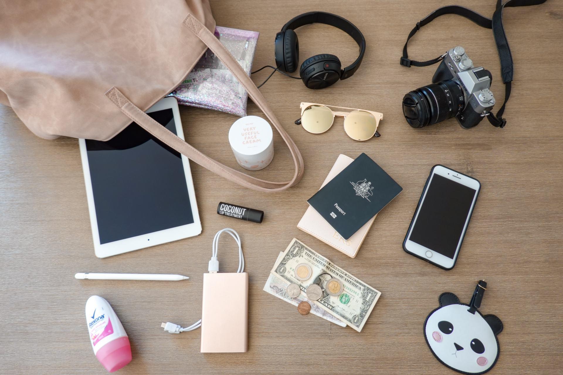carry on handbag packing essentials