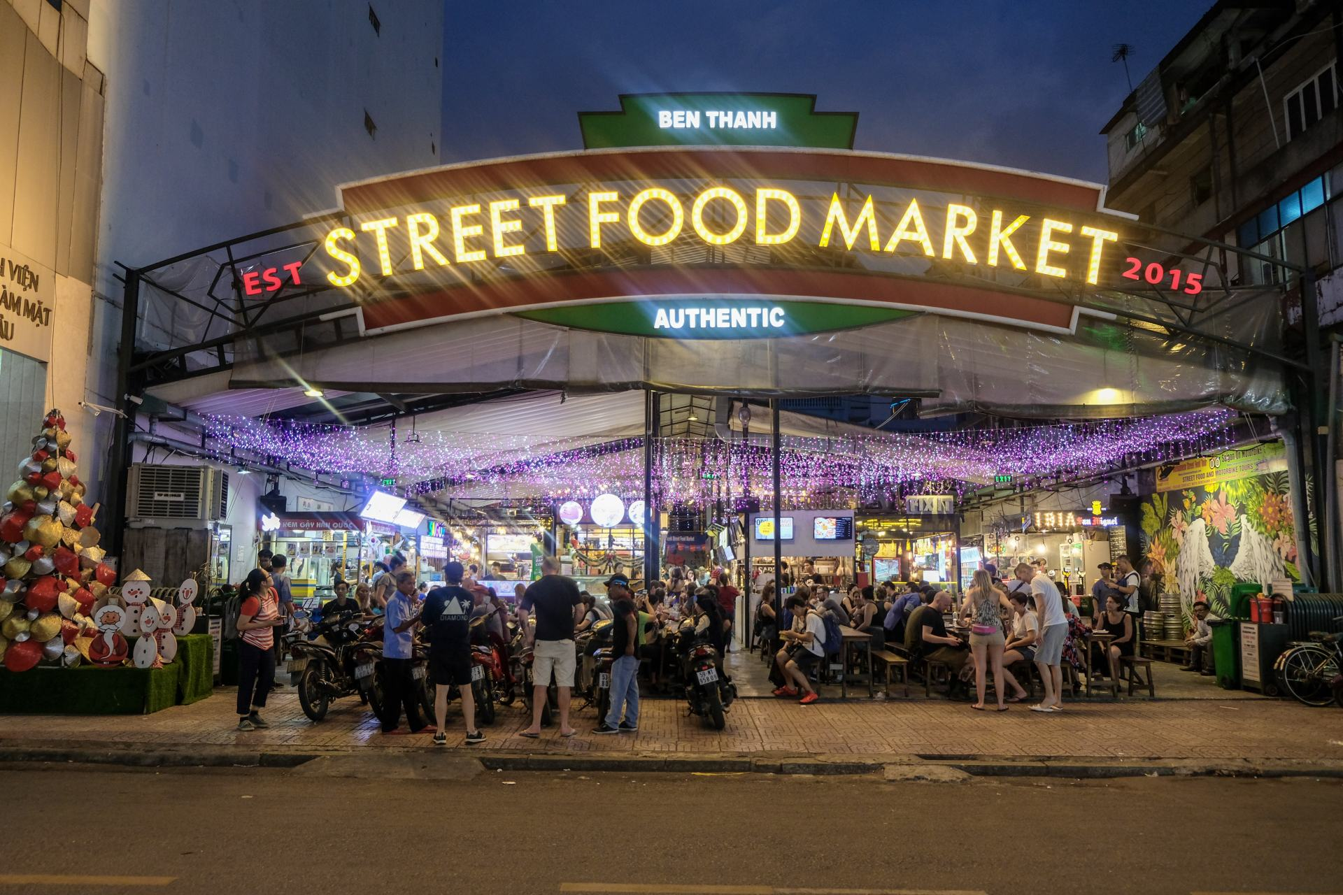 ben thanh street food market in ho chi minh