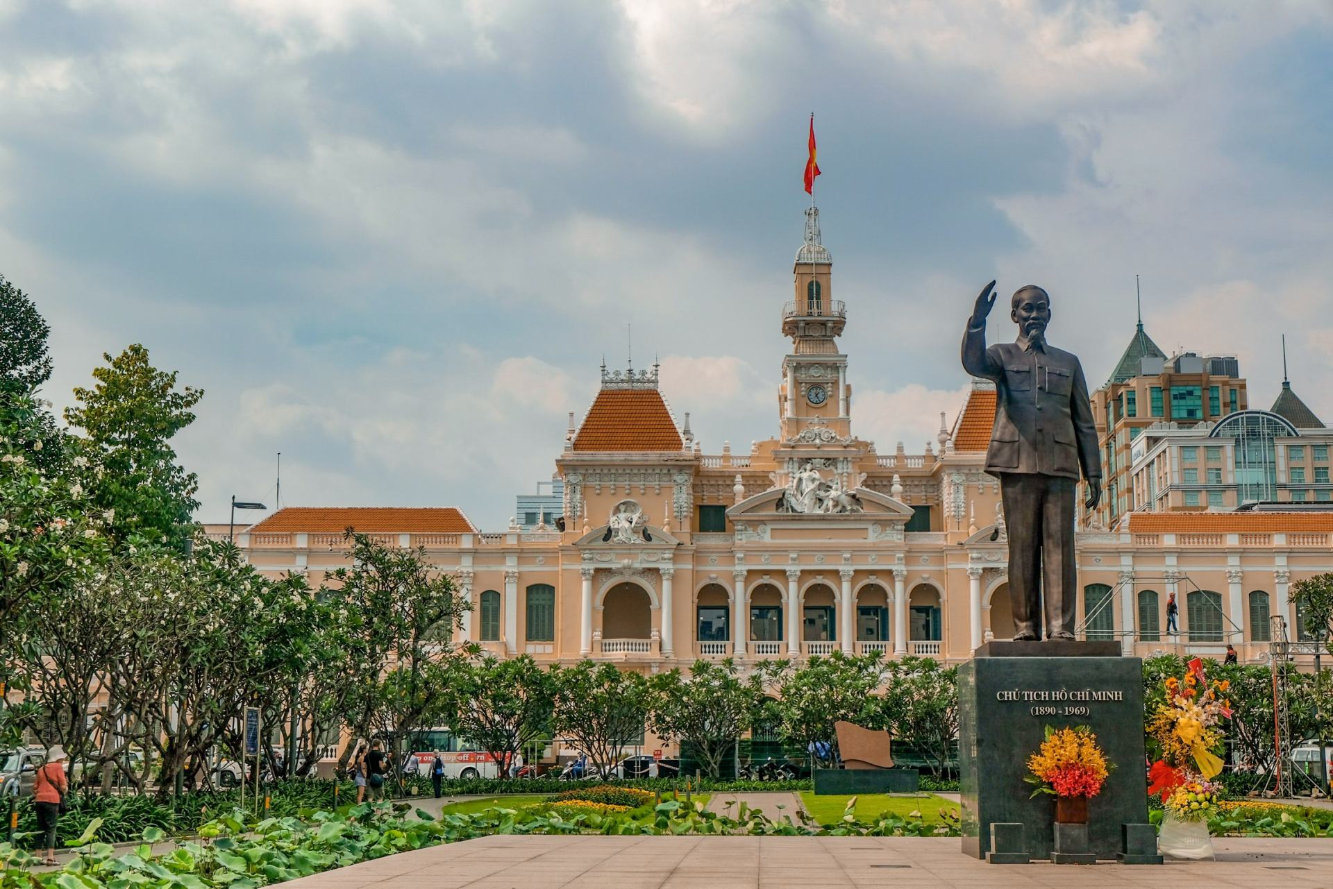 ho chi minh city town hall