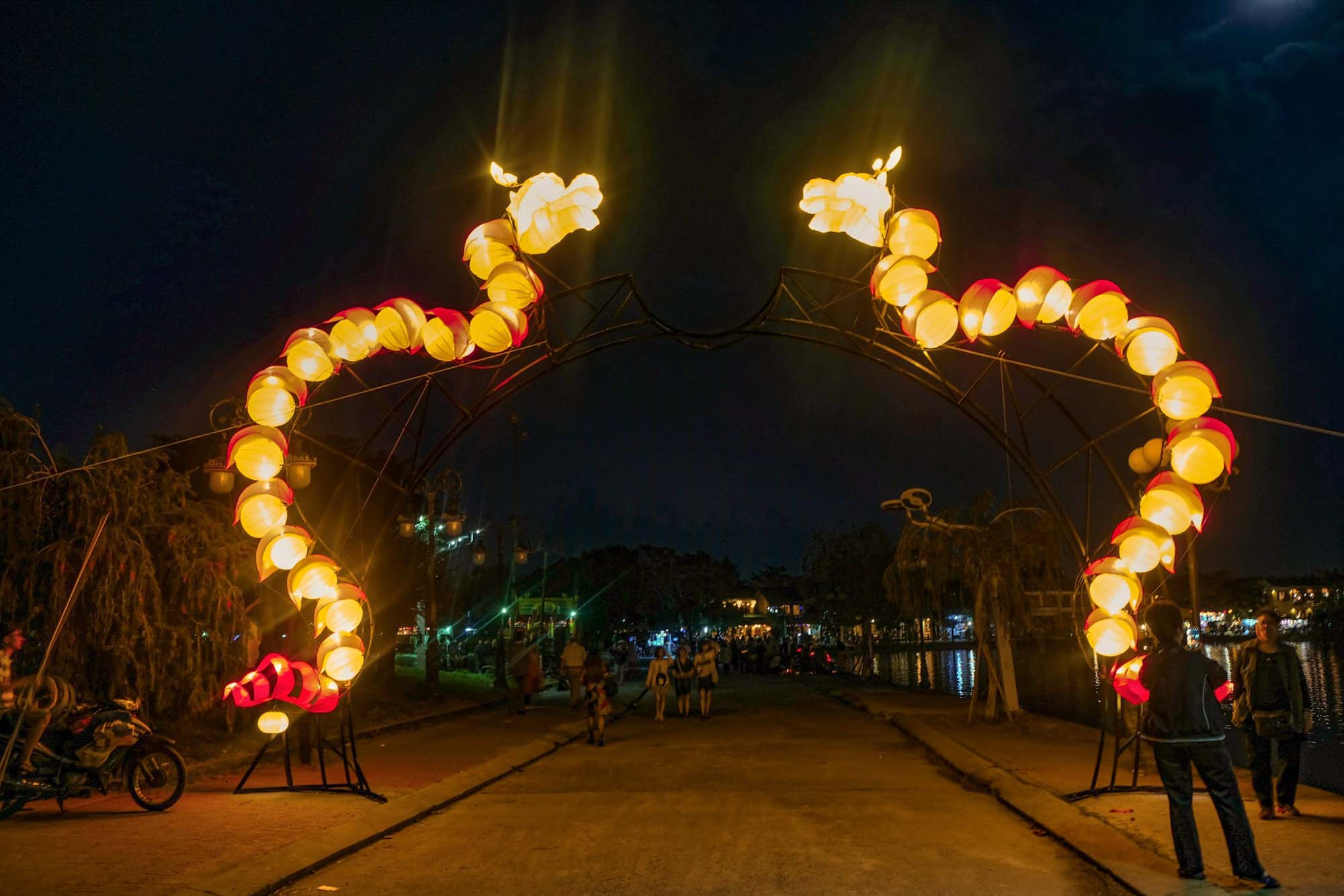 dragon entrance to hoi an lantern festival