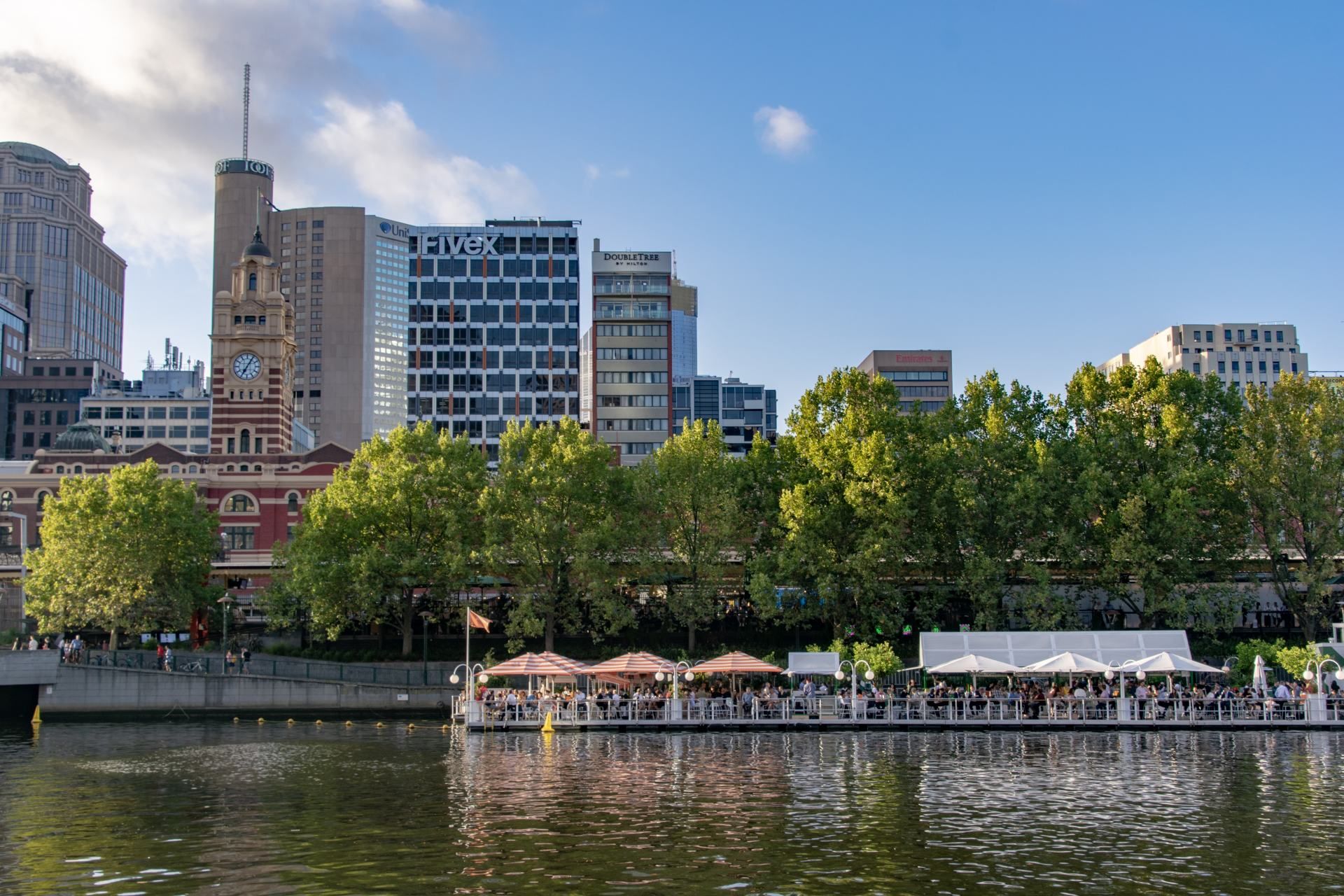 yarra river floating bar