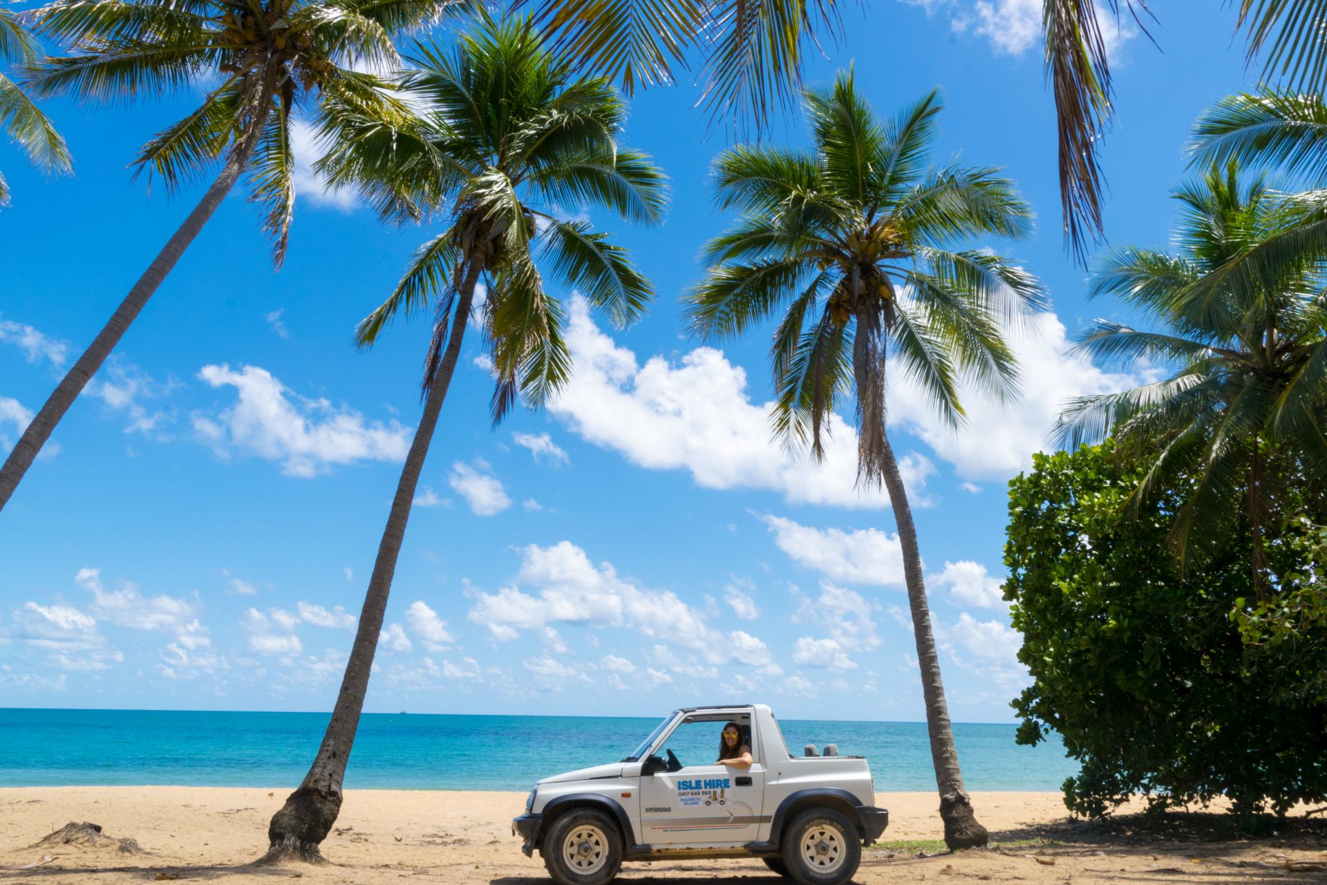 renting a car on magnetic island
