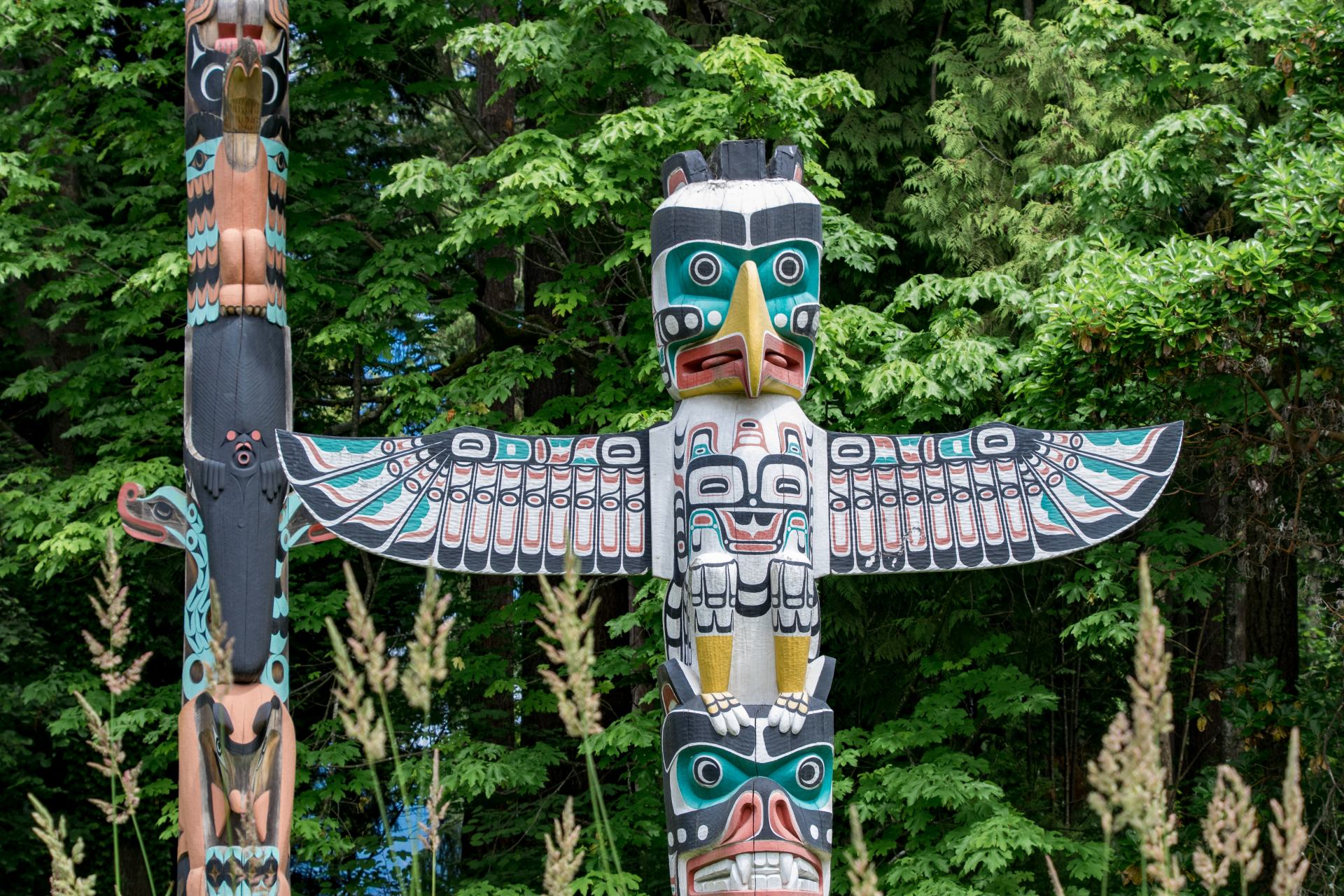 first nations totem poles vancouver