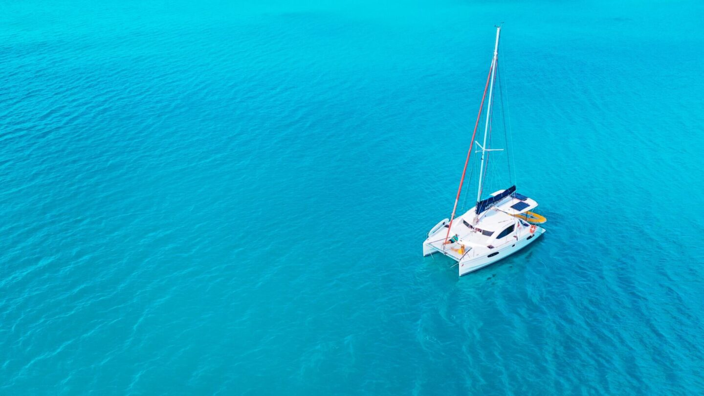 How To Charter A Yacht In The Whitsundays