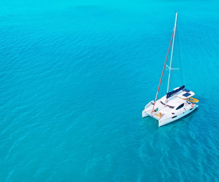 bareboating in the whitsundays